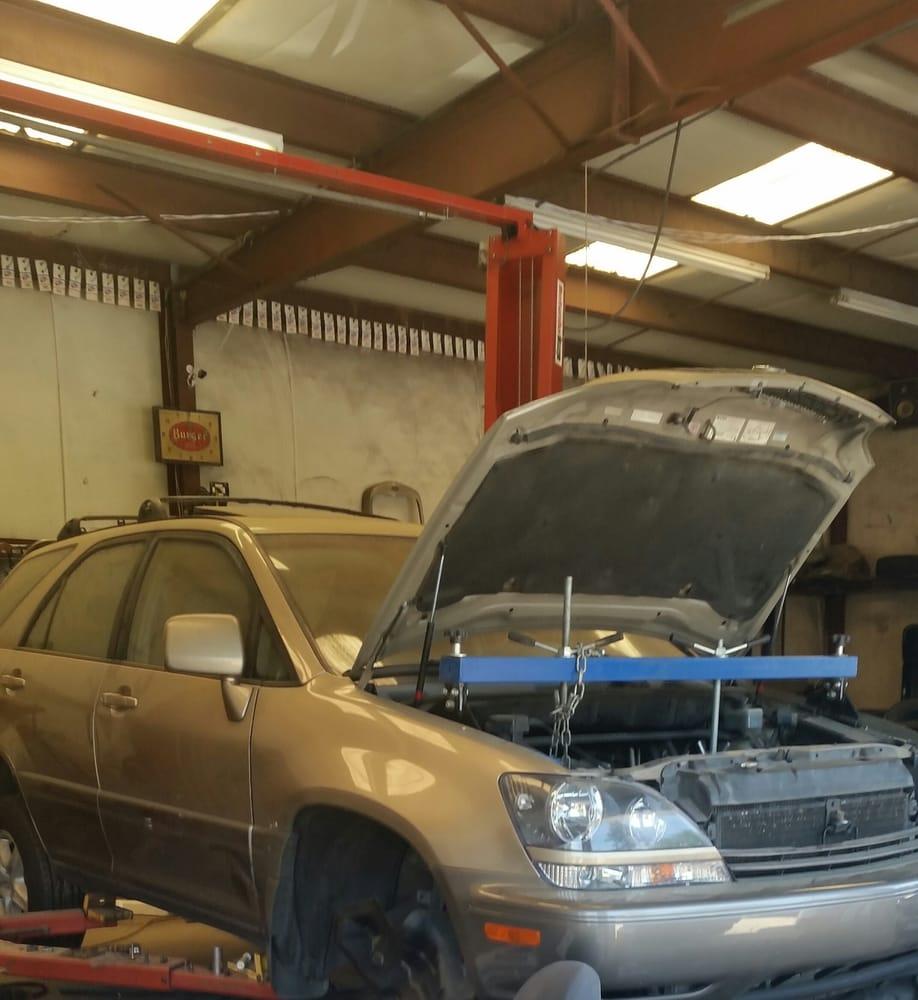 Elledge Automotive Services: 930 Chapin Rd, Chapin, SC