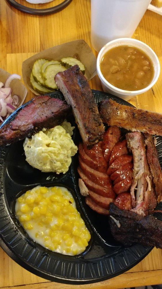 Backwoods BBQ: 320 FM2093, Fredericksburg, TX