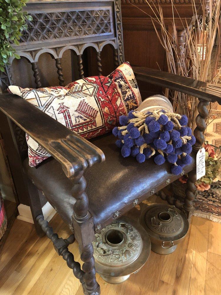 Royal Frame Works: 903 W Goodwin St, Pleasanton, TX