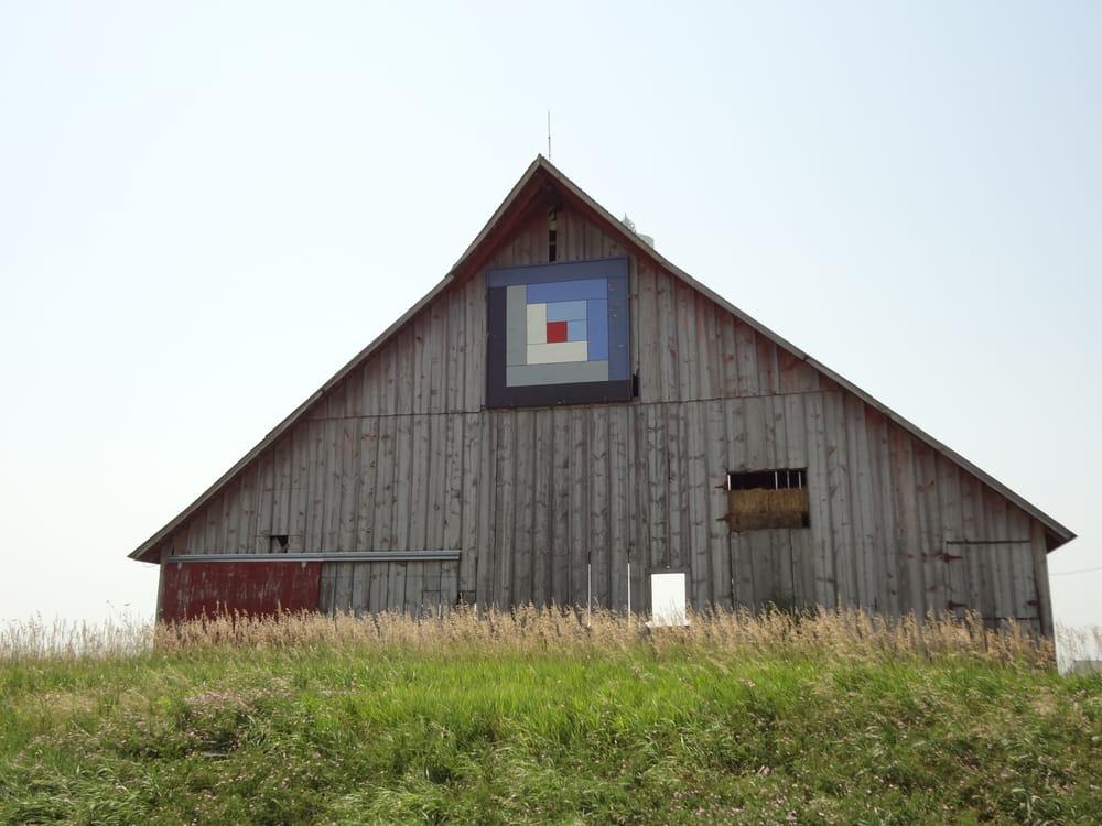 Barn Quilts Of Washington County: 205 W Main St, Washington, IA