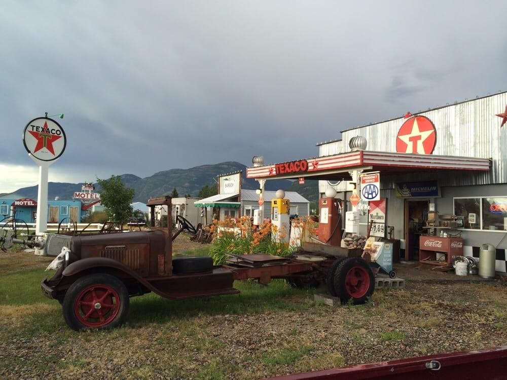Peddler'z Village: 65 Lucky Ln, Columbia Falls, MT