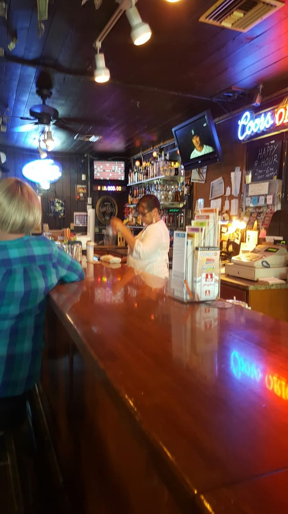 Old Barn Tavern: 2039 Redwood Ave, Grants Pass, OR