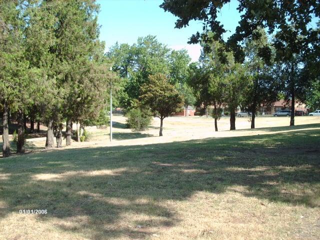 Meadowlake Park: 1200 W Rupe St, Enid, OK