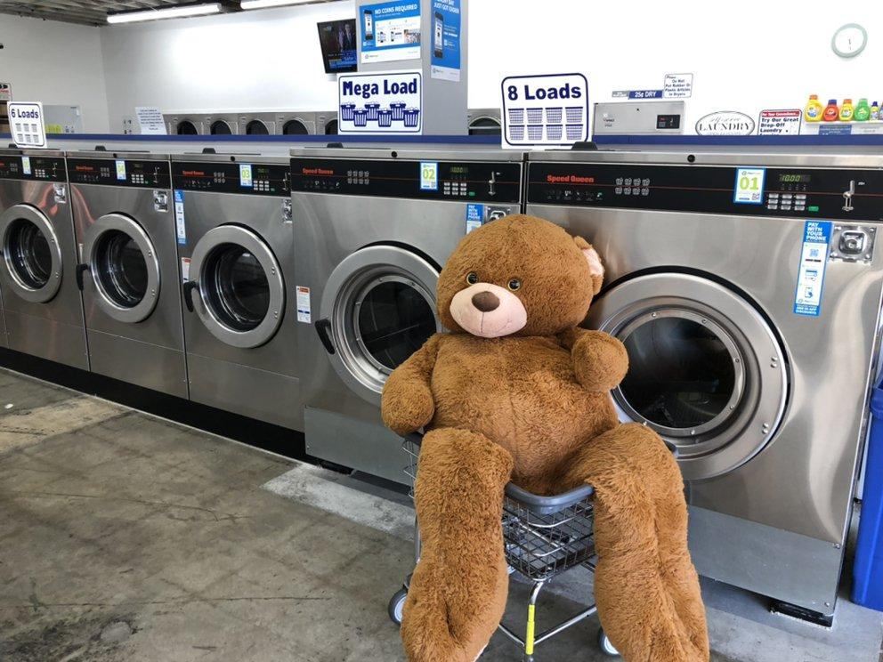 Urban Wash: 2849 Honolulu Ave, Glendale, CA