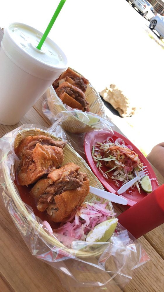 El Chivito Tortas Ahogadas: 204 Crossroads Blvd, San Antonio, TX