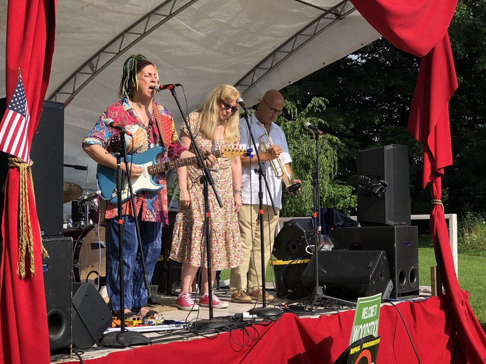 Colony Woodstock - 41 Photos & 19 Reviews - Bars - 22 Rock