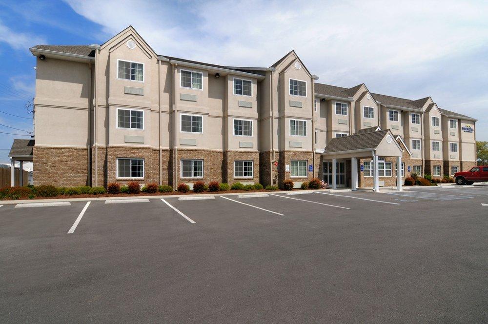 Microtel Inn & Suites by Wyndham Albertville: 220 Highway 75 North, Albertville, AL