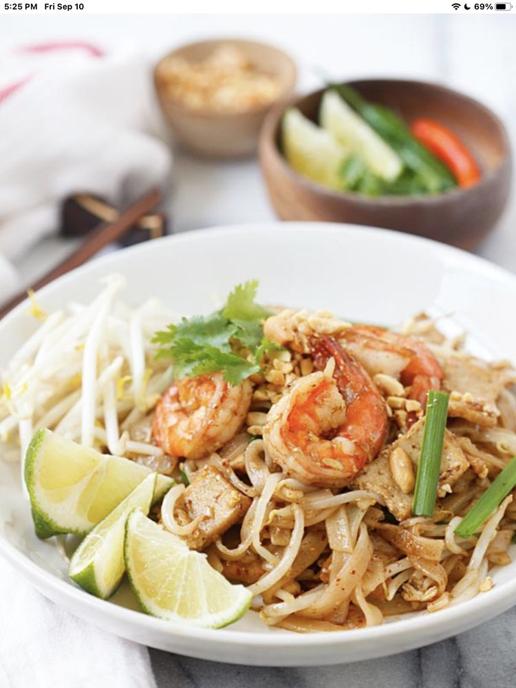 Food from Thai's Joy