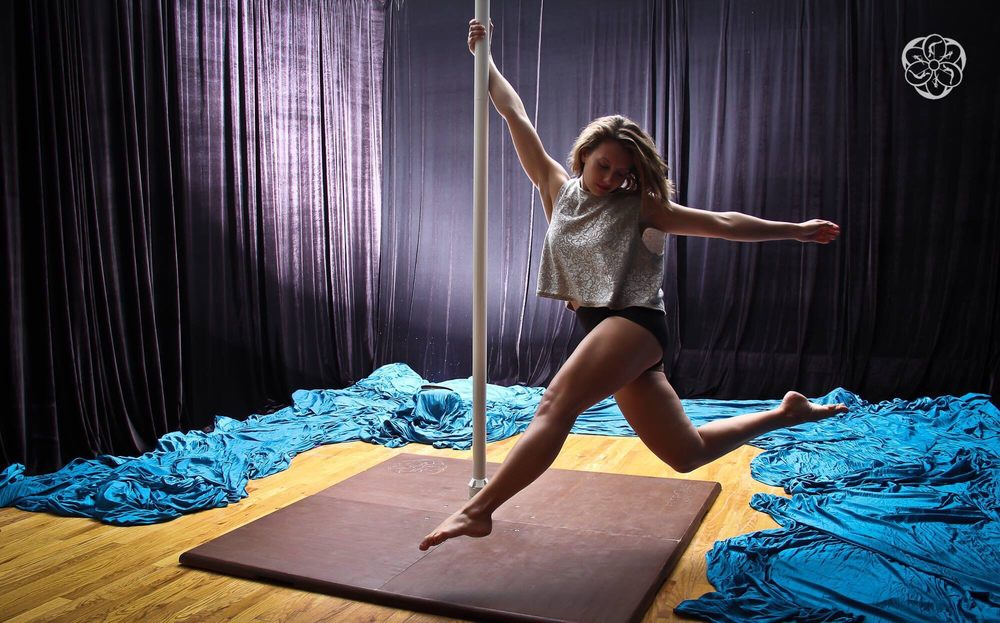 Yoga Pole Studio