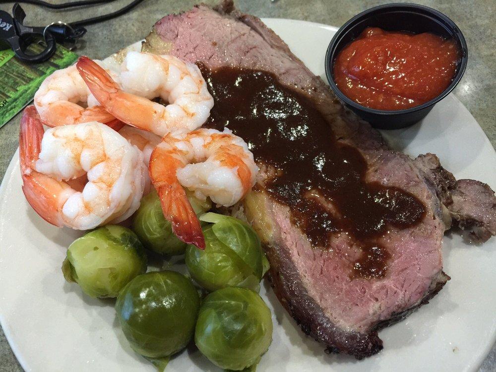 Horseshoe Bay Restaurant: 3015 Mackinac Trl, Saint Ignace, MI