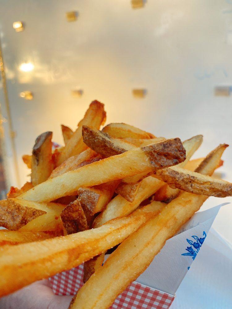 The Salted Fry: 342 Dora Drawdy Way, Mount Dora, FL