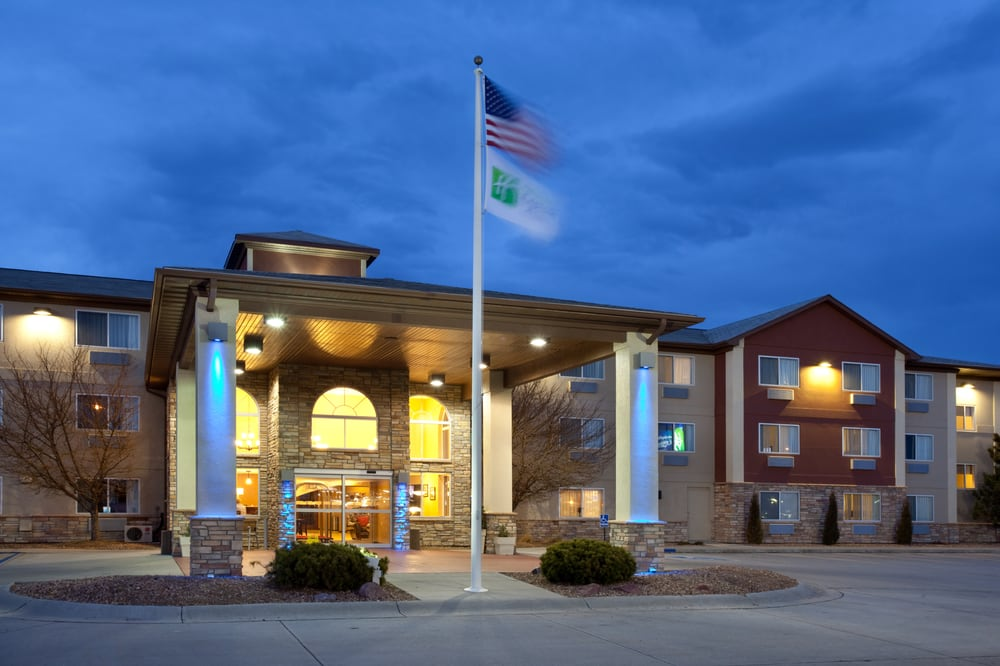 Holiday Inn Express & Suites Scottsbluff-Gering: 1821 Frontage Rd, Scottsbluff, NE