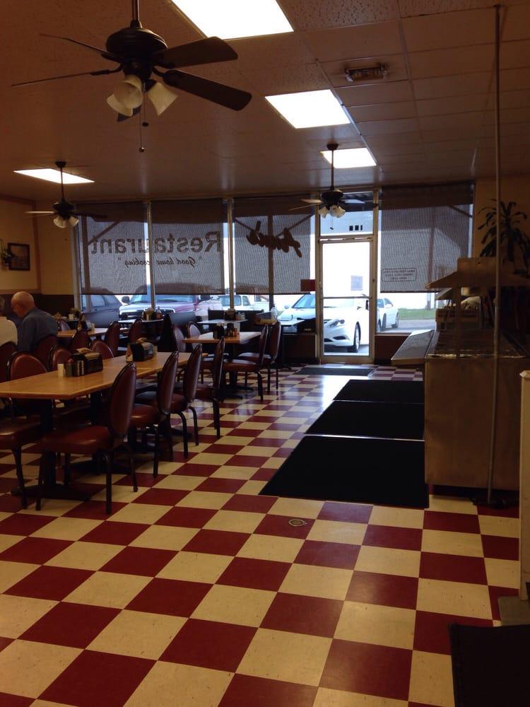 Ann's Restaurant: 153 Parker Hills Dr, Ozark, AL
