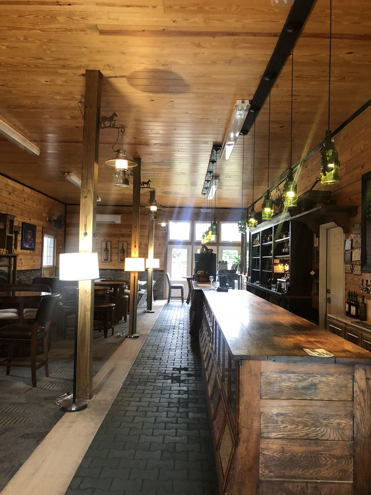 The Winery at Kindred Pointe: 3575 Conicville Rd, Mount Jackson, VA