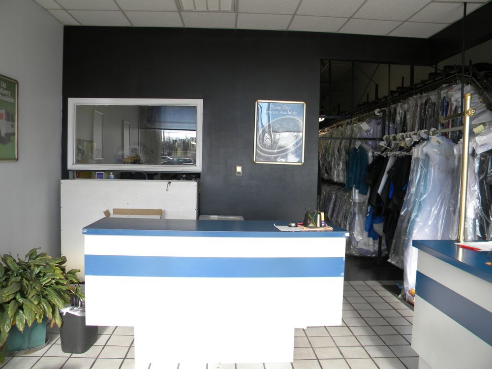 Premier Cleaners: 12121 Shelbyville Rd, Louisville, KY