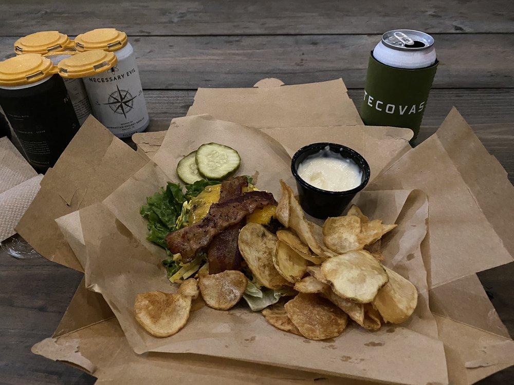Athens Burger Bar: 307 E Larkin St, Athens, TX