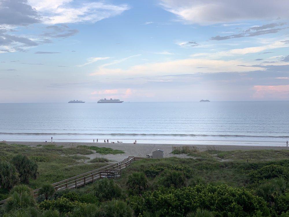 The Resort On Cocoa Beach - Slideshow Image 3