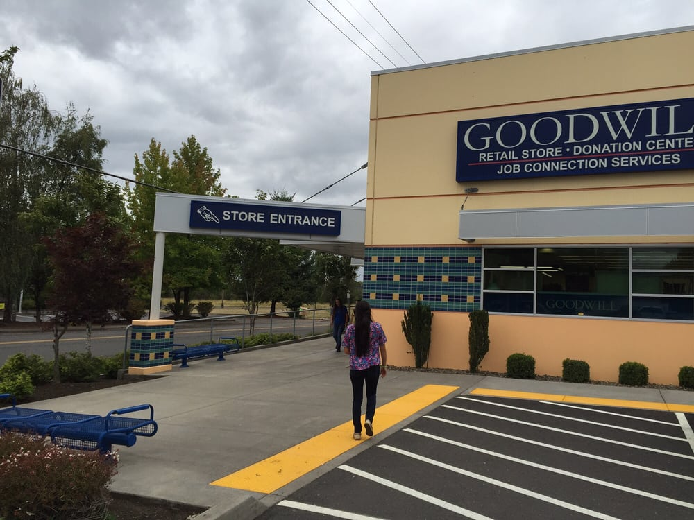 Goodwill Industries of the Columbia Willamette: 101 NW 20th Ave, Battle Ground, WA