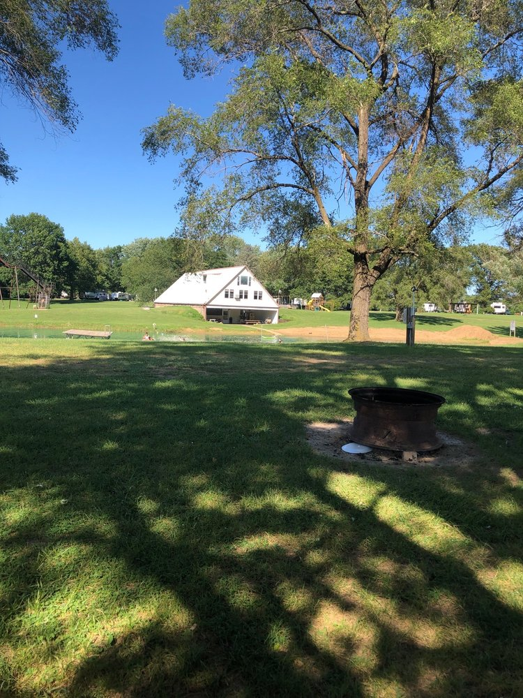 Timberview Lakes Campground: 23200 N 2000th Rd, Bushnell, IL