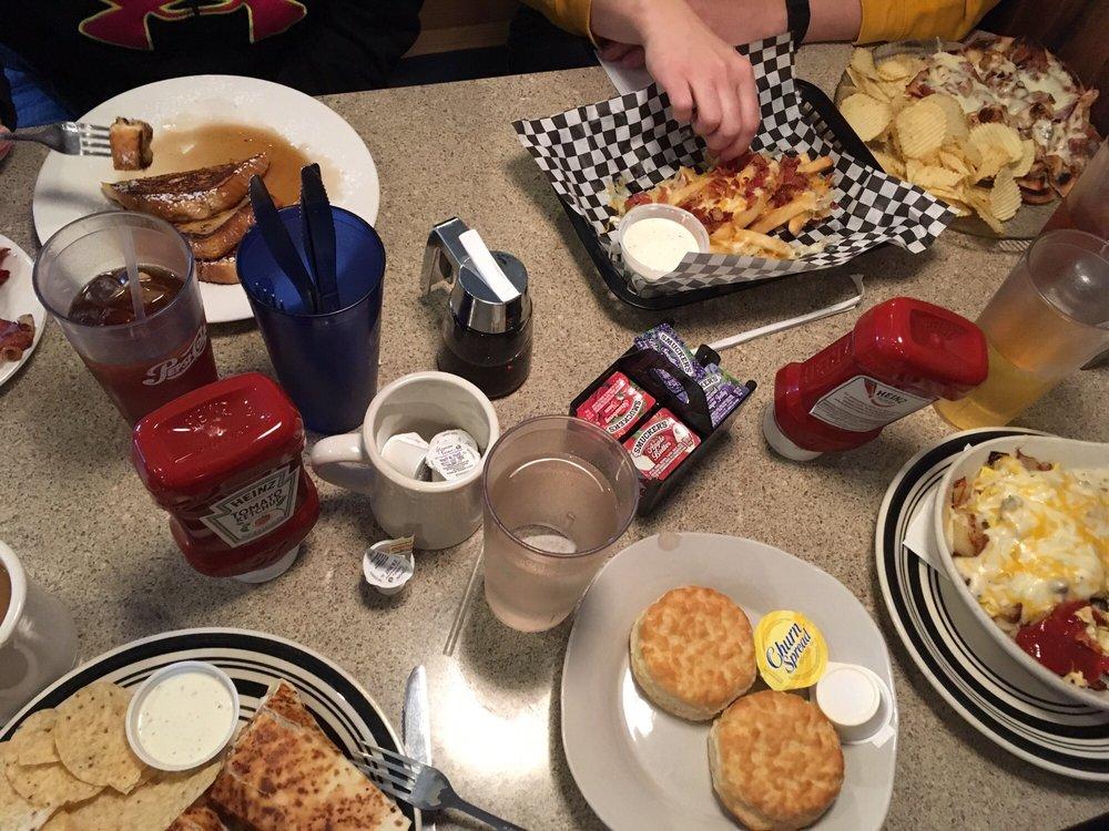 Crossroads Cafe: 305 Masonic Ave, Pennsboro, WV