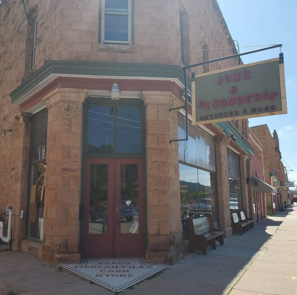 Junk & Disorderly: 321 N River St, Hot Springs, SD