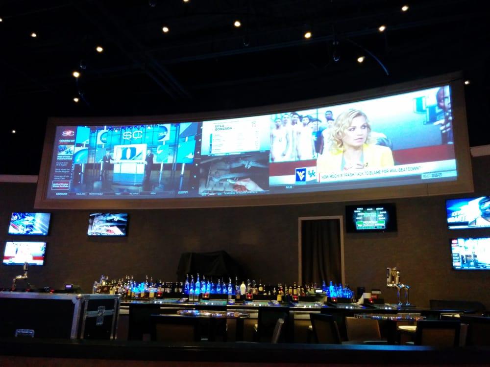 Photo of Hollywood Gaming at Dayton Raceway: Dayton, OH