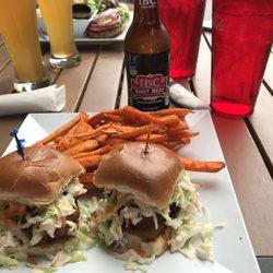 B D Burgers 57 Photos 98 Reviews American Traditional 238