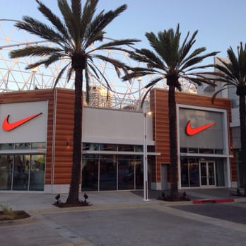 Nike Factory Store - 103 Photos & 87 Reviews - Shoe Stores
