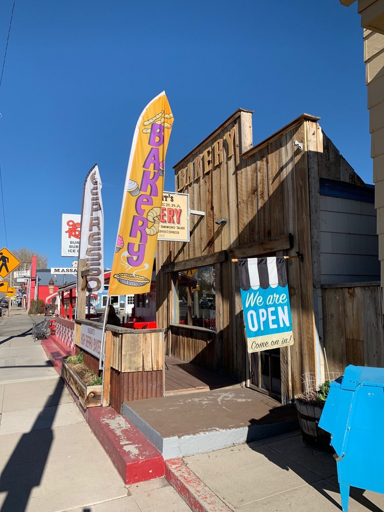 High Sierra Bakery: 172 Main St, Bridgeport, CA