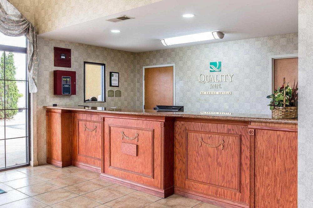 Quality Inn: 810 Main St NE, Hanceville, AL