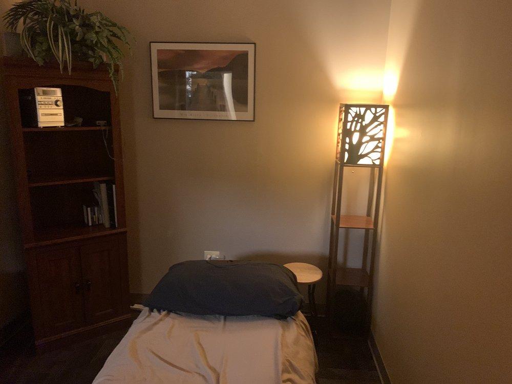 Ridge Chiropractic Center: 104 Ridge Rd, Minooka, IL