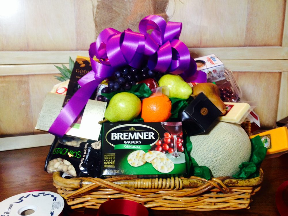 Albonetti's Fruit and Gift Baskets