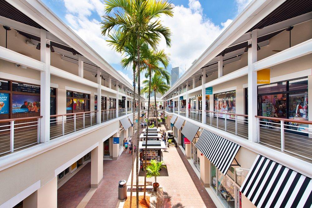 Bayside Marketplace: 401 Biscayne Blvd, Miami, FL