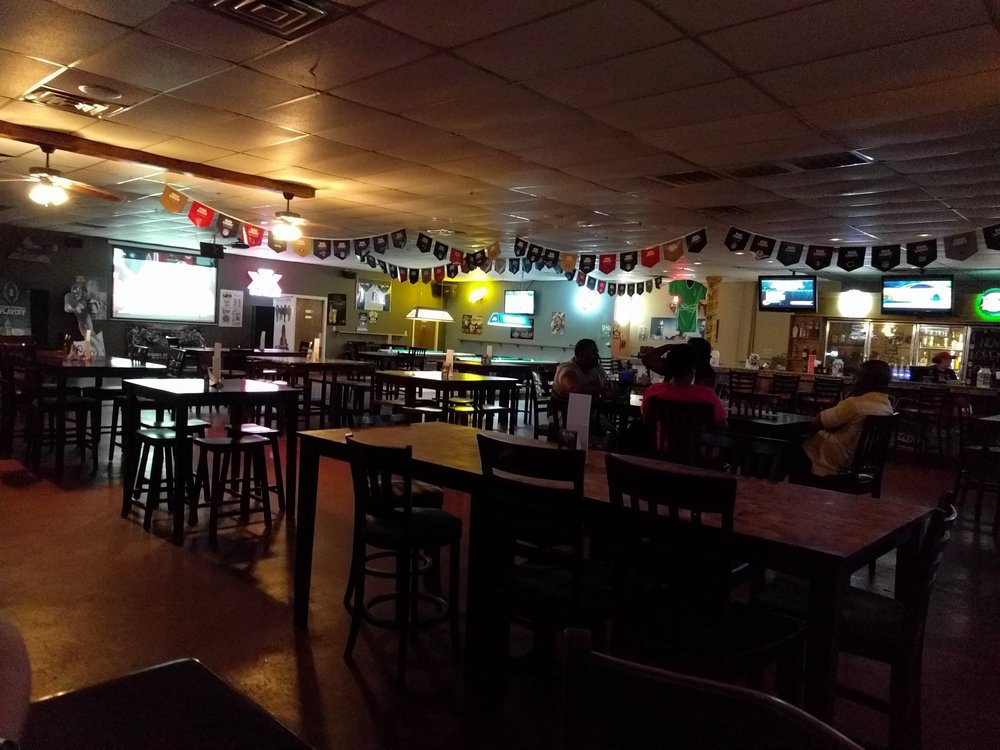 Scores Bar & Grill: 1502 N Saint Marys St, Beeville, TX