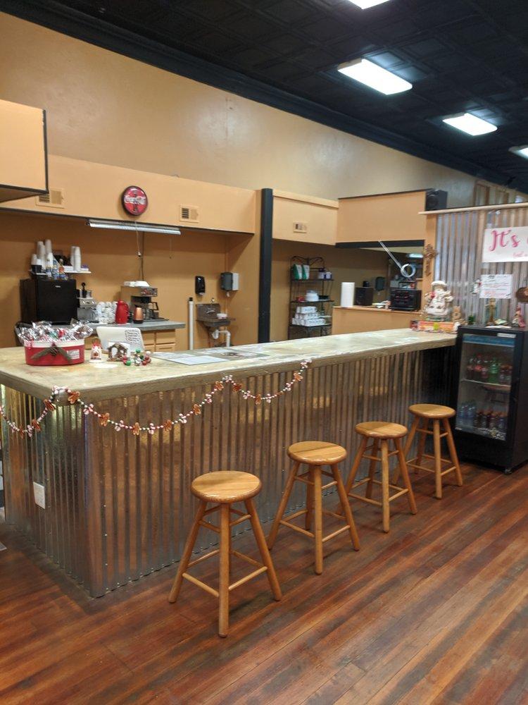 Roselyn's First City Bakery: 514B Delaware St, Leavenworth, KS
