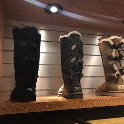 95ccf9a424d UGG Outlet - 22 Photos - Shoe Stores - 4953 International Dr ...