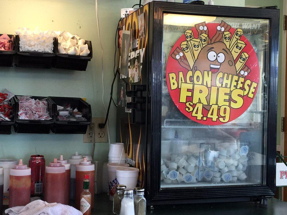 Food from Boom-A-Rang Diner Westside