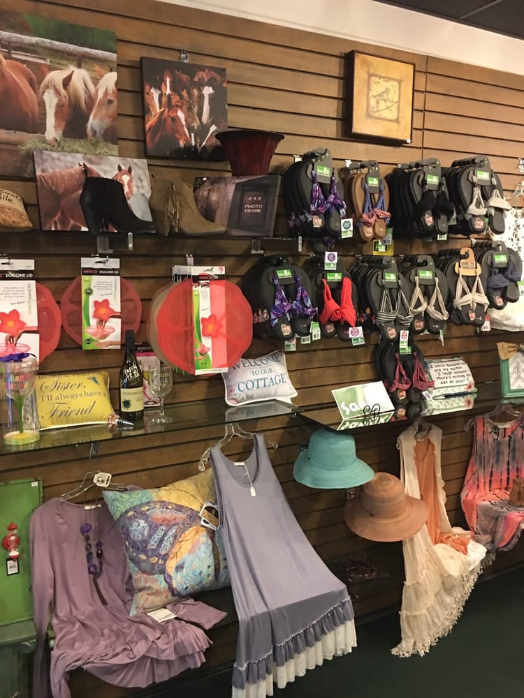 Chez Julie'gifts: 412 Central Ave, Hot Springs, AR