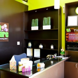 Lay bare waxing salon studio city 31 fotos 201 for 201 twiggs studio salon