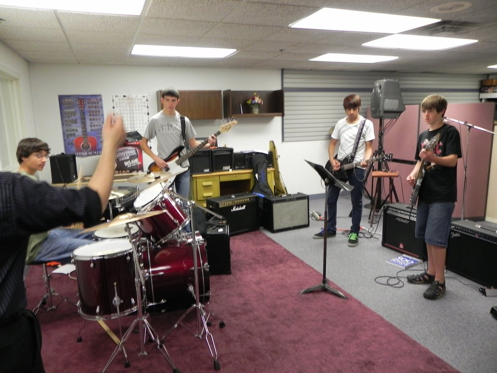 Senseney Music Inc: 2300 E Lincoln St, Wichita, KS