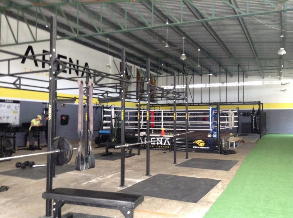 Arena training center gimnasios 69 y 71 m rida for Gimnasio arena