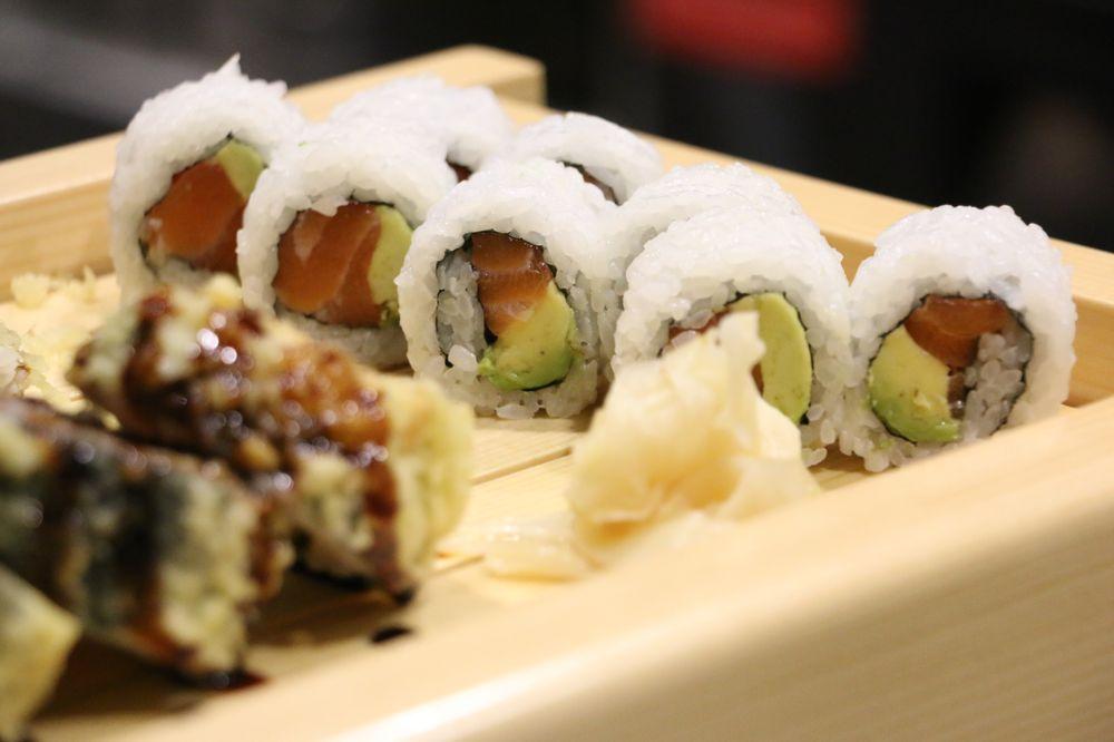 Maru Sushi & Grill: 5621 W 135th St, Overland Park, KS