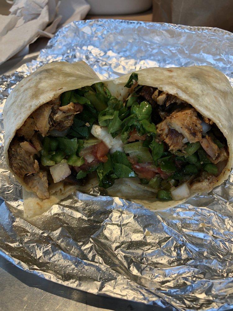 Dosbros Fresh Mexican Grill: 1650 Nashville Pike, Gallatin, TN
