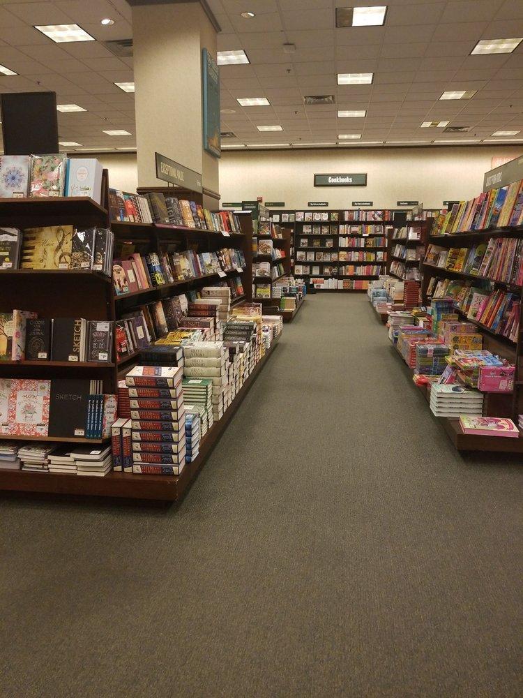 Barnes & Noble: 540 Ed Noble Pkwy, Norman, OK