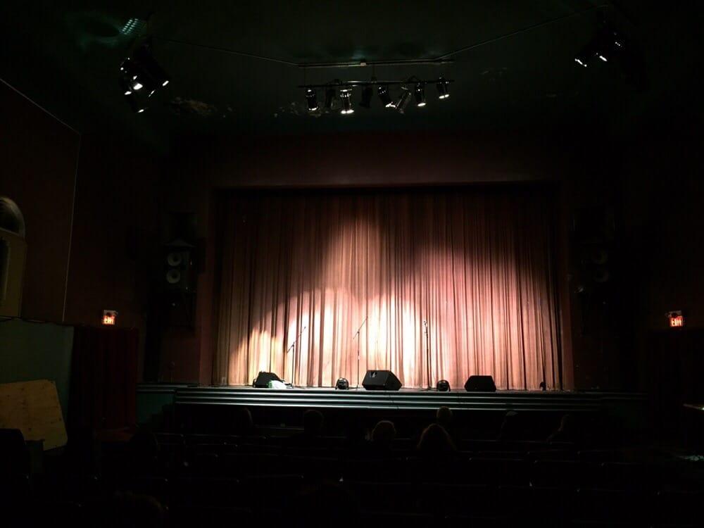 Rohs Opera House: 133 E Pike St, Cynthiana, KY