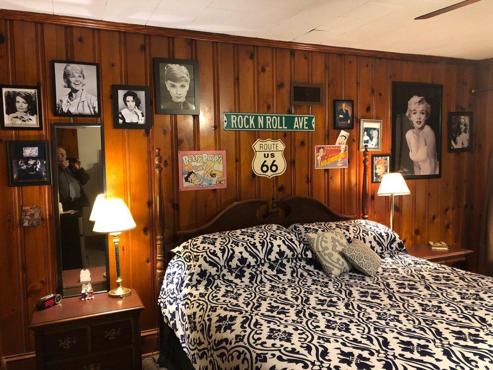 Ziegler Hotel and Suites: 1914 Trent Blvd, New Bern, NC