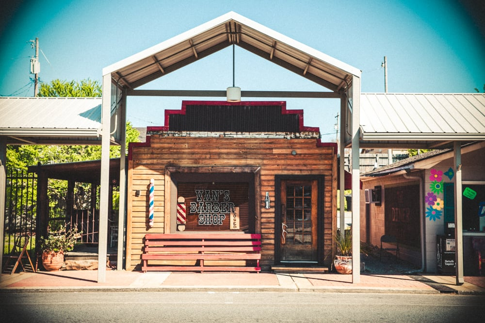 Van's Barber Shop: 309 Main St W, Hartselle, AL