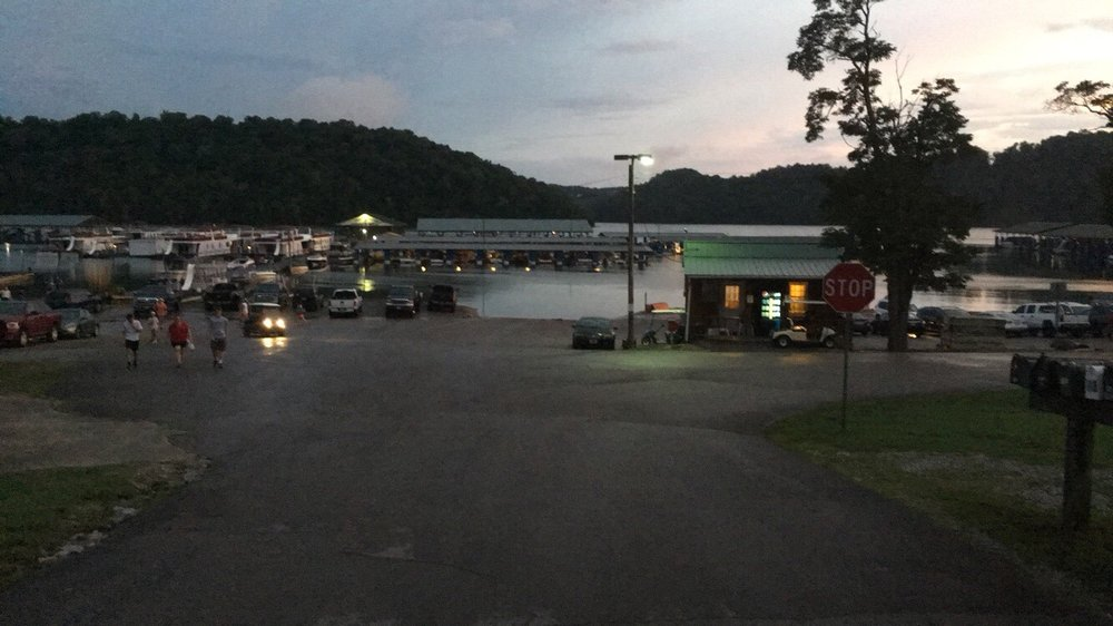 Wolf River Resort: 6703 Wolf River Dock Rd, Albany, KY