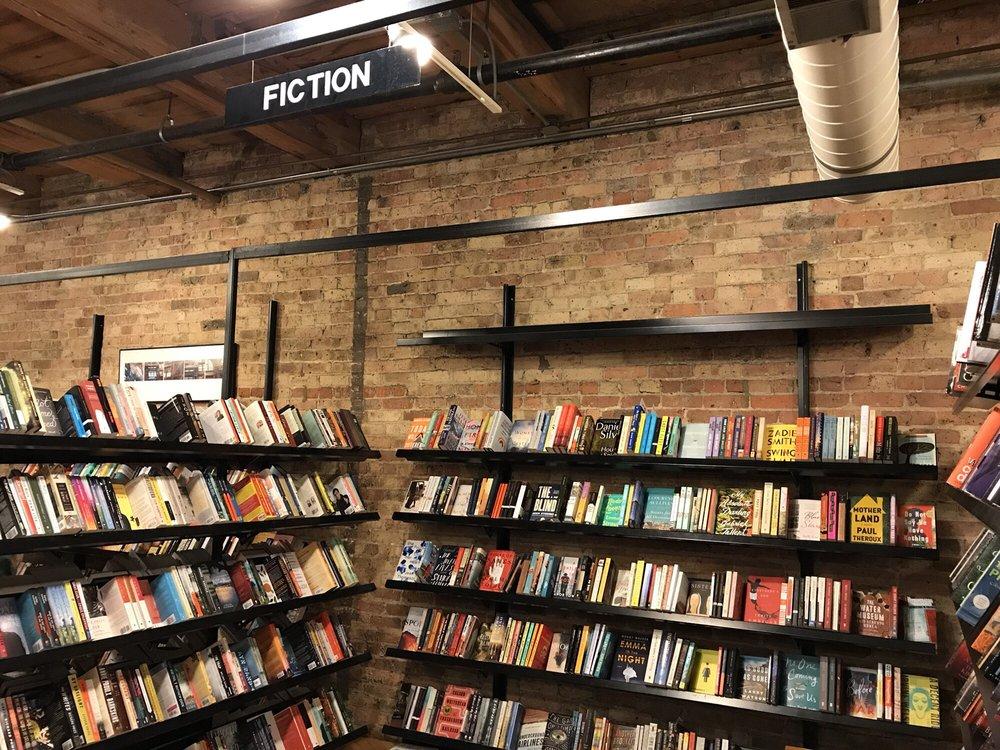 Sandmeyer's Bookstore: 714 S Dearborn St, Chicago, IL