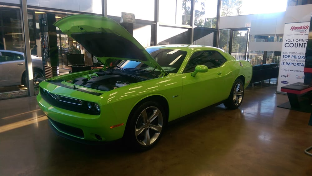 2015 challenger r t in sublime green want one yelp. Black Bedroom Furniture Sets. Home Design Ideas